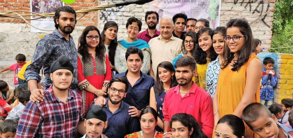 Pehchaan team with Manish Sisodia